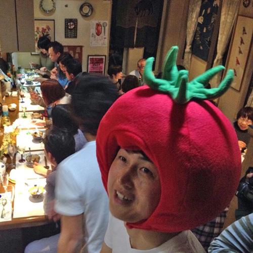 トマトのかぶり物